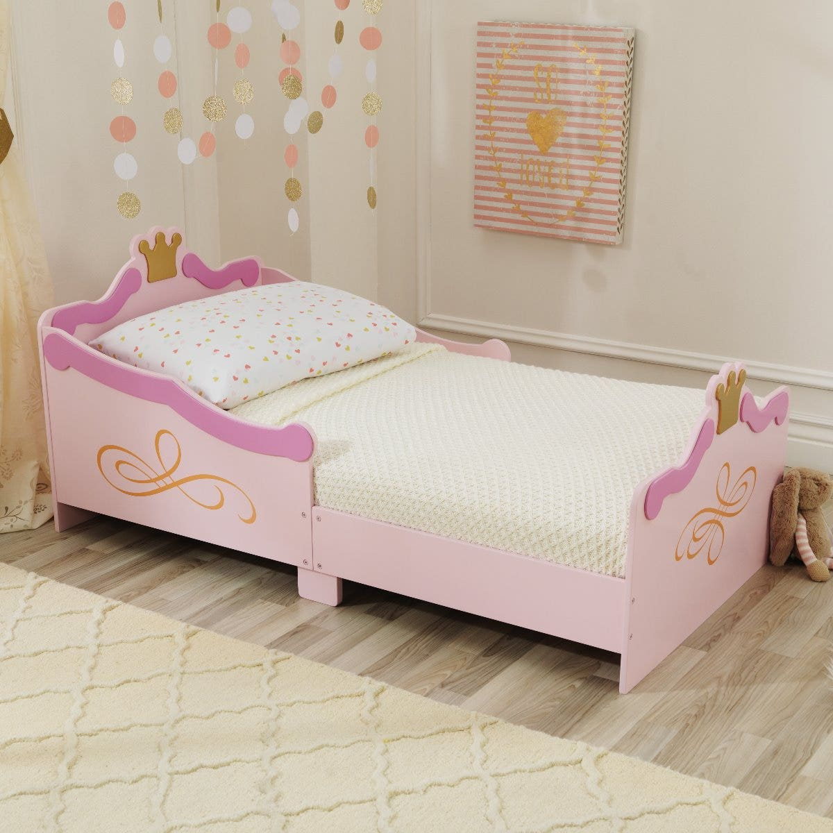 Makes the transition from a crib to a regular bed as painless as possible