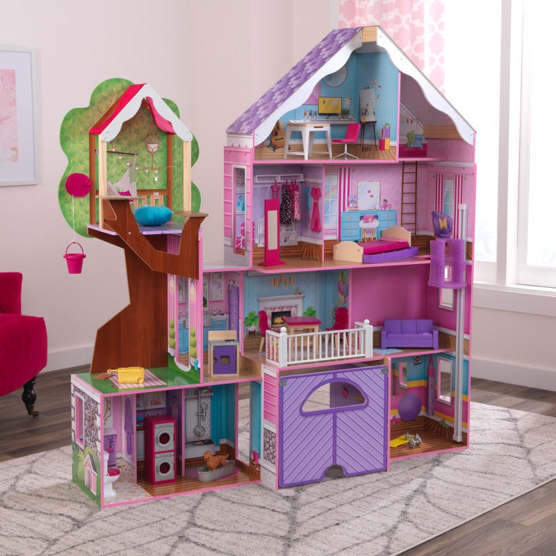 13 rooms of play including a treehouse