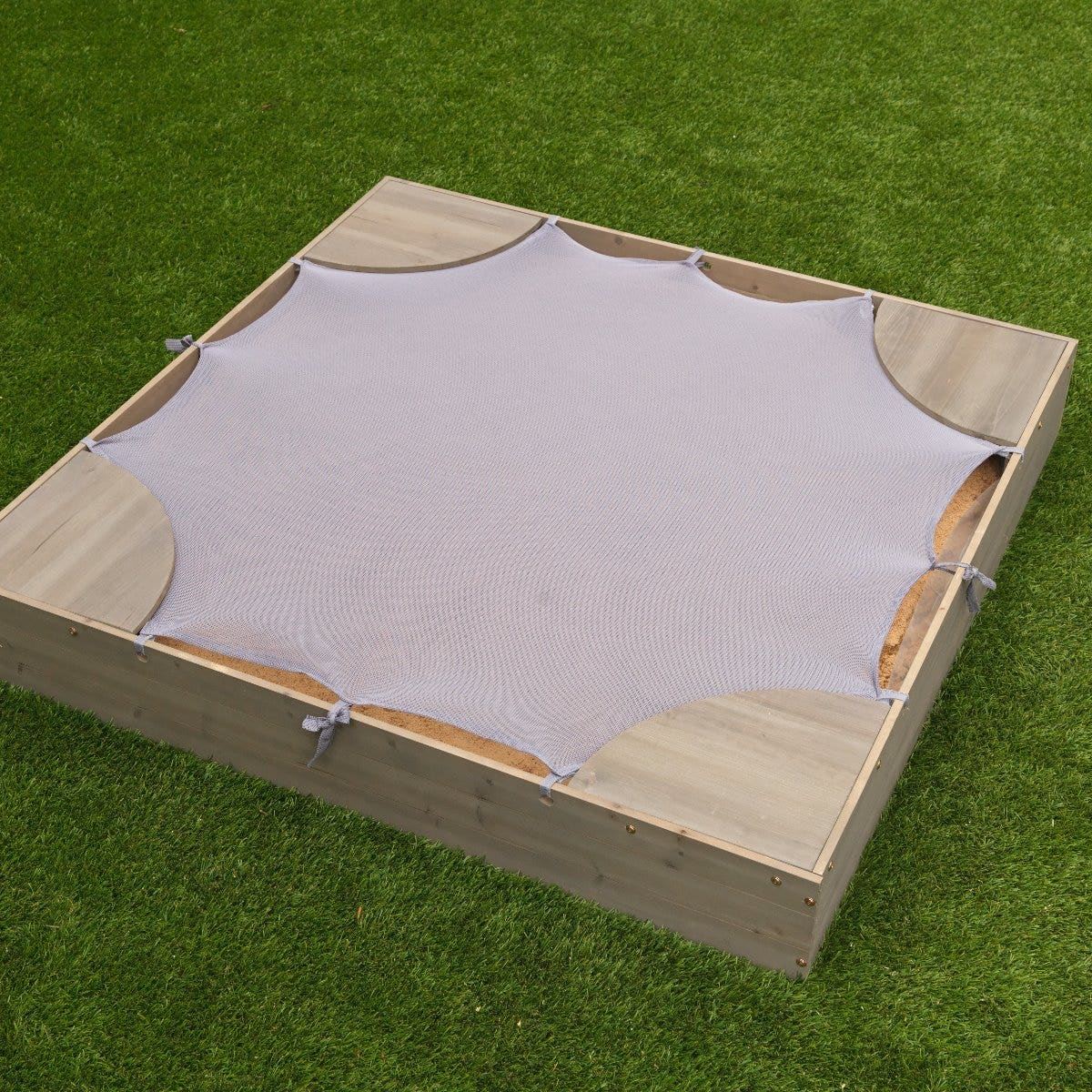 Mesh cover to protect sand