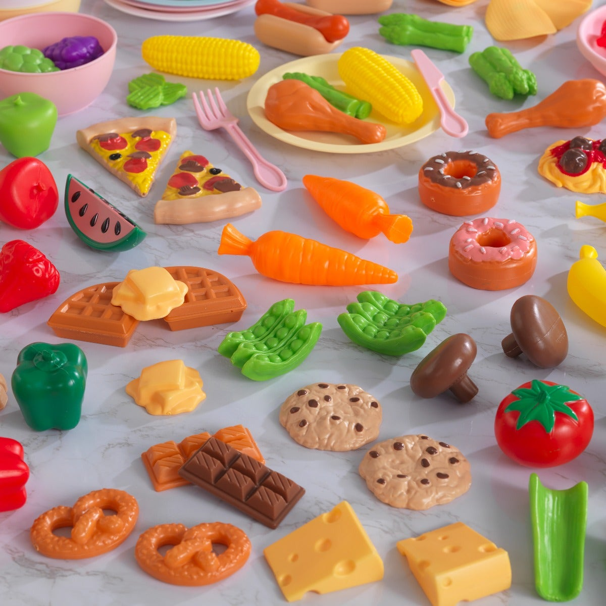 Play food set includes fruit, vegetables, snacks, pizza, waffles and more