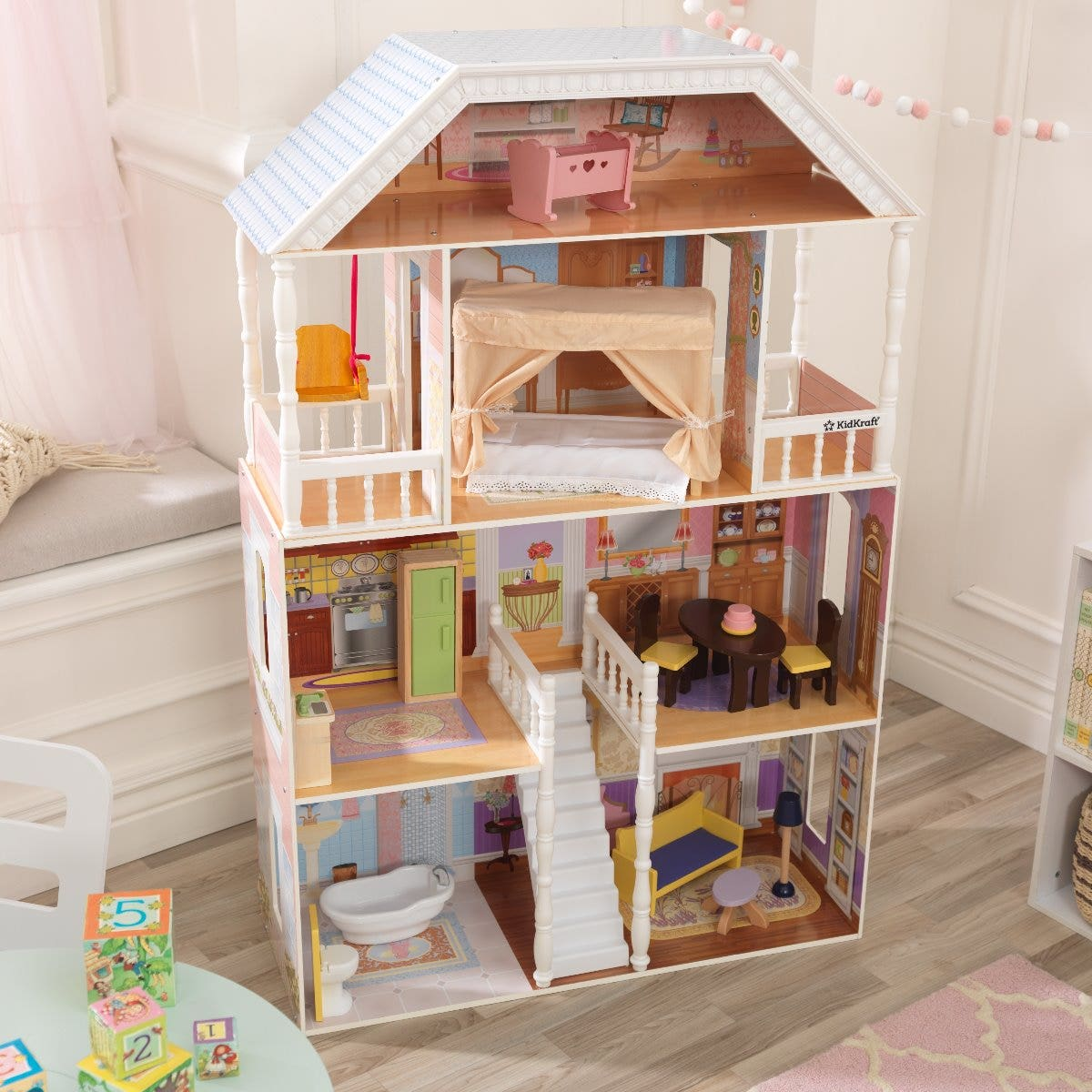 Play sooner without the headache from overcomplicated assemblies! Our doll houses come with incredibly easy step-by-step instructions for even easier assembling.