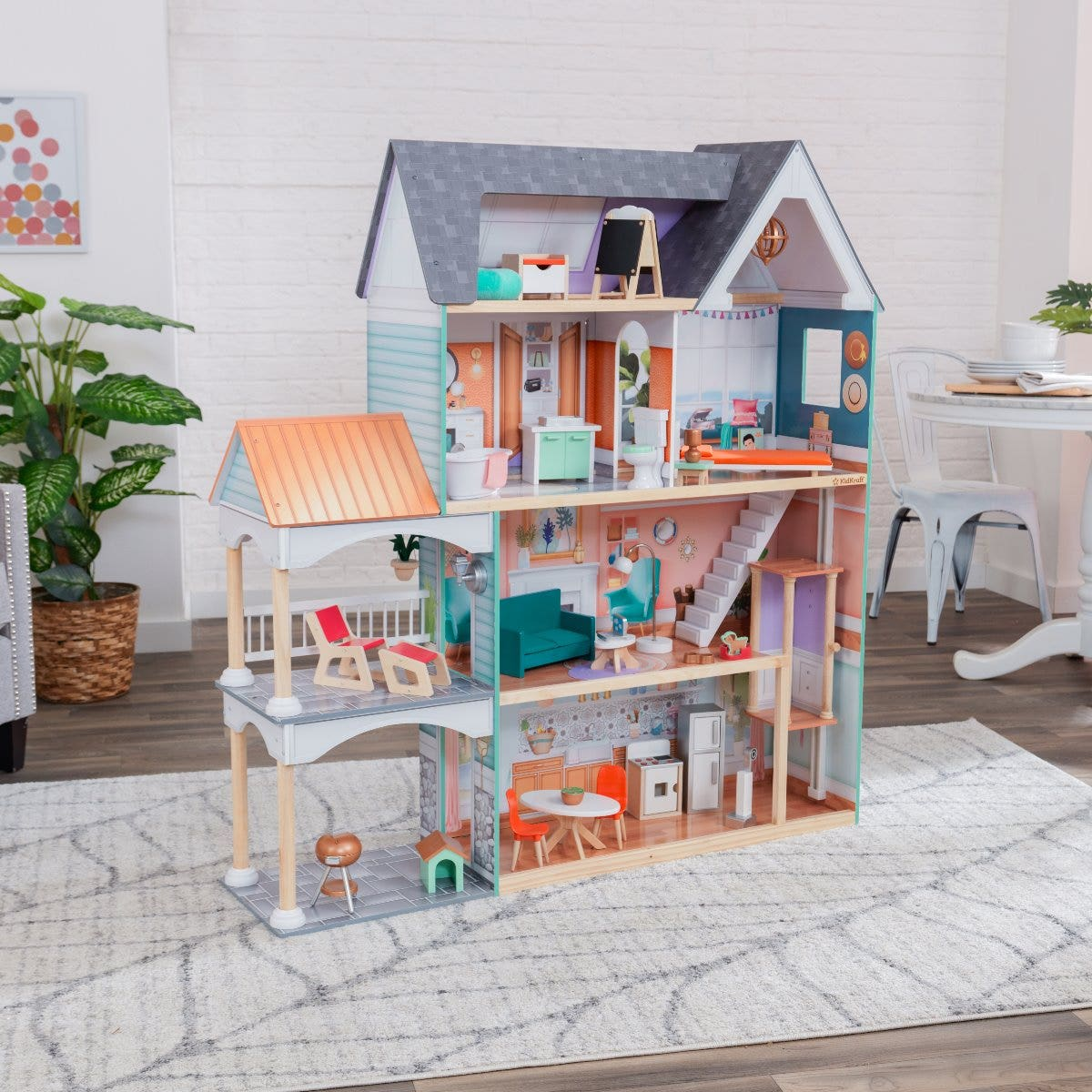Four levels with six rooms of exciting play