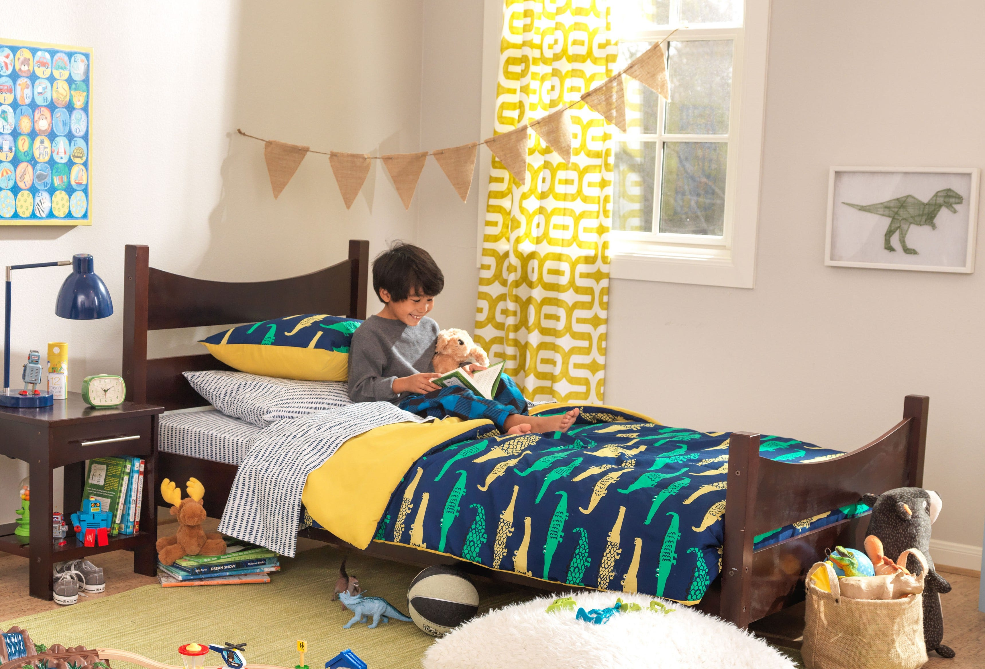 When to Transition From A Toddler Bed to A Twin Bed