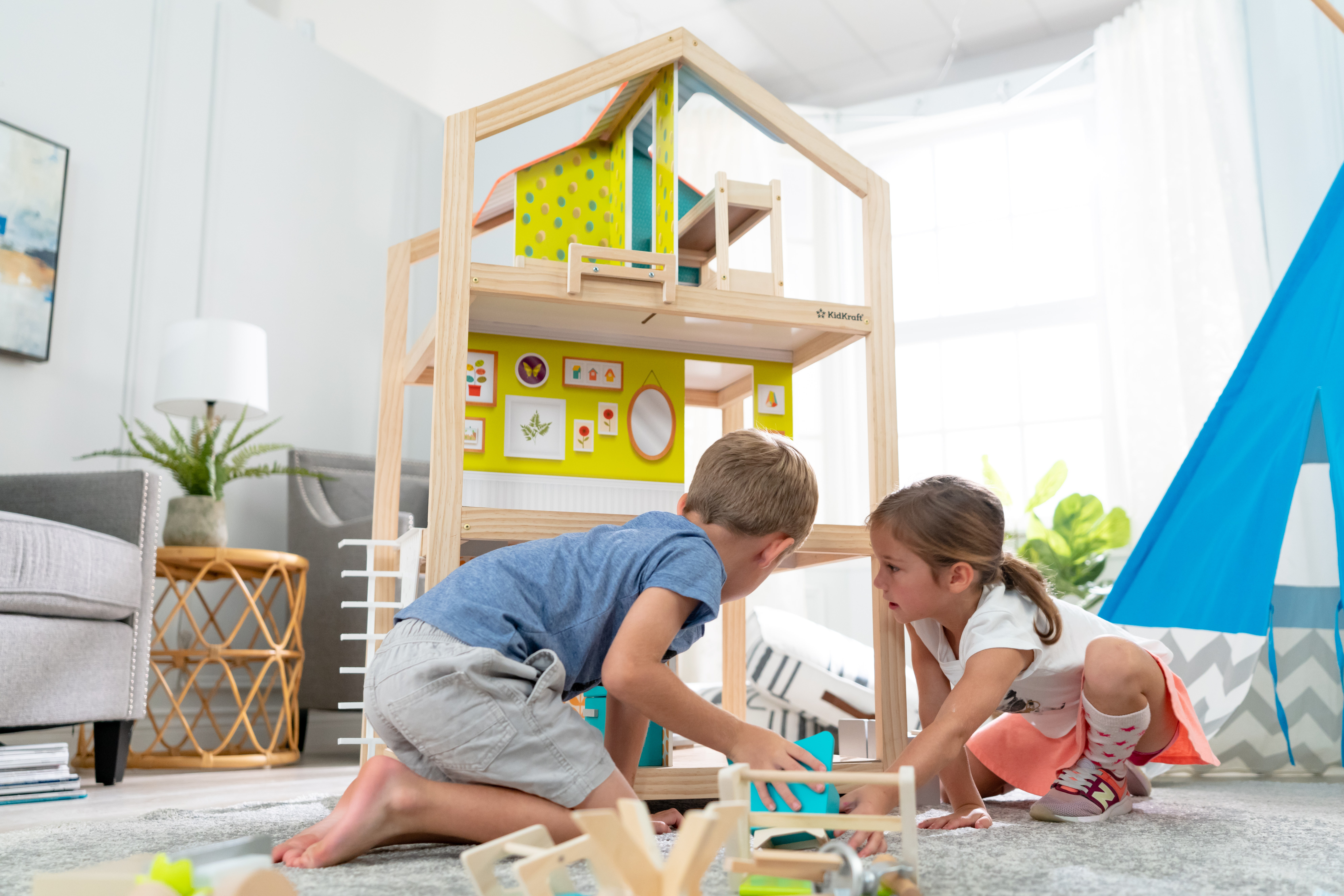 How to Choose The Best Dollhouse for Toddlers
