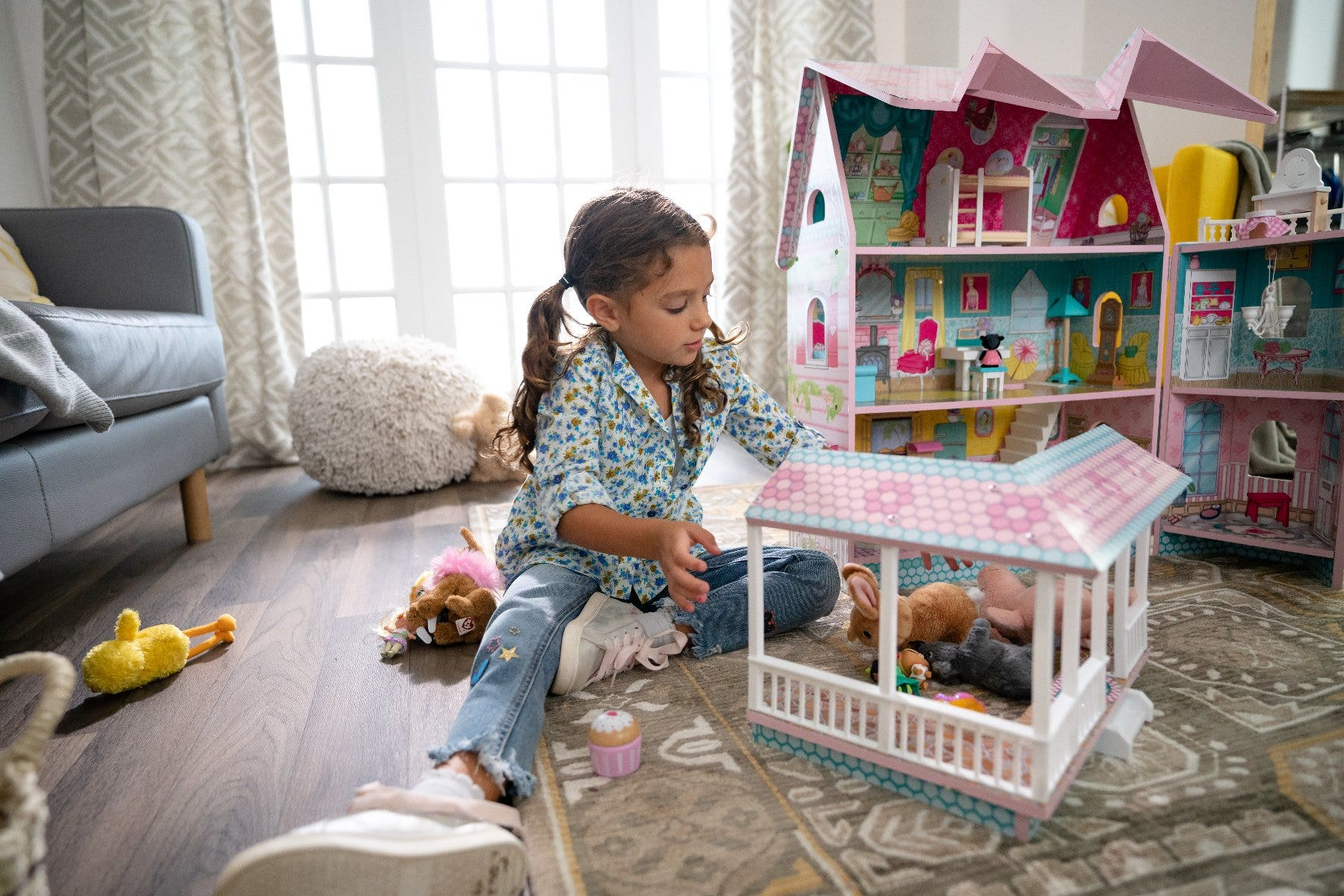 How Long Do Kids Play With Dollhouses